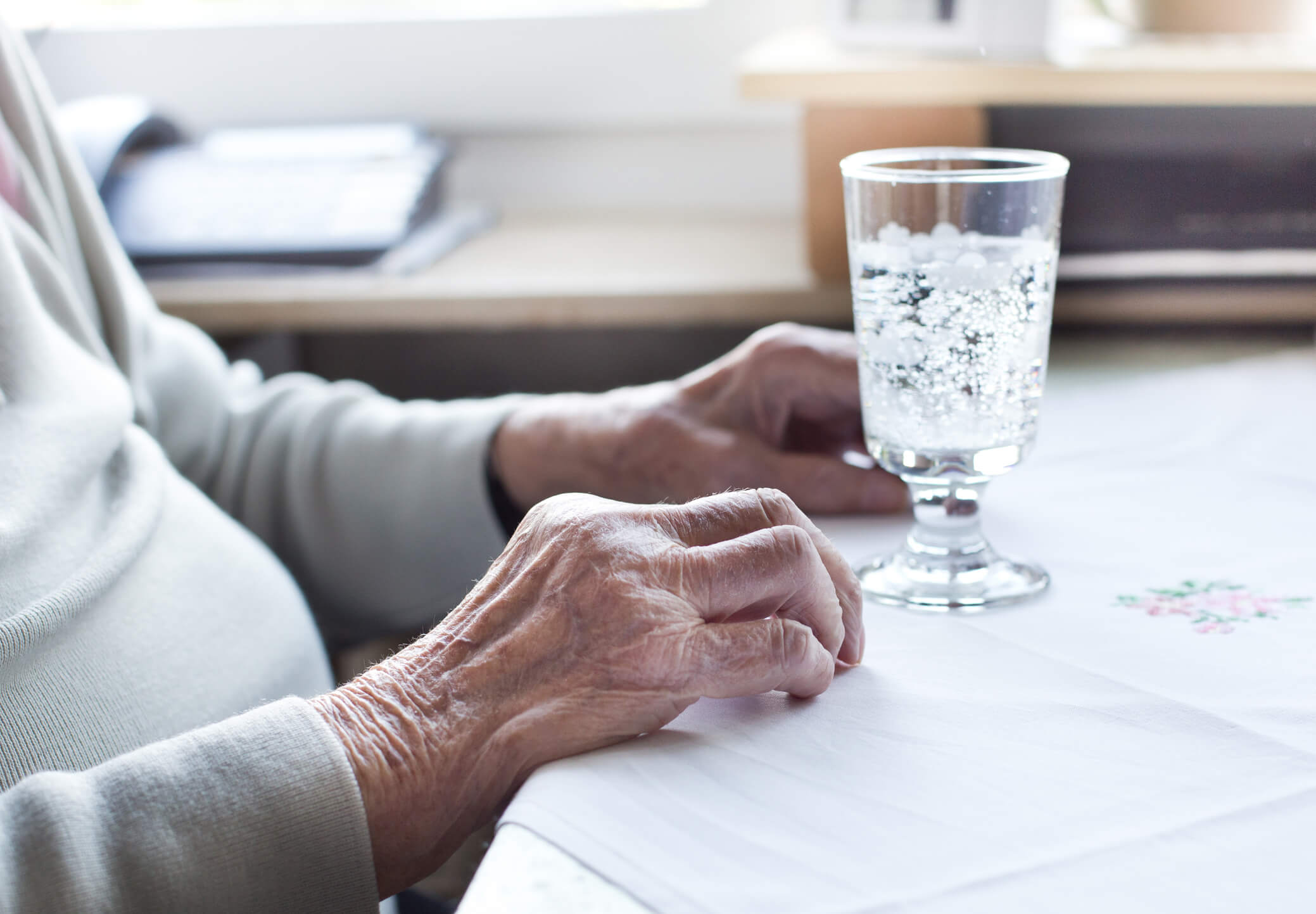 dehydration in elderly and its causes, symptoms, treatment and types
