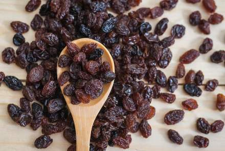 Raisins Type, Benefits and Side effects,
